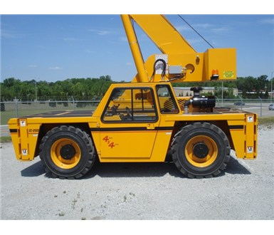Broderson_IC250-3C_Carry_Deck_Crane_M000362_002